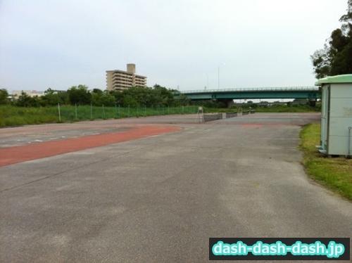 乙川河川敷テニスコート