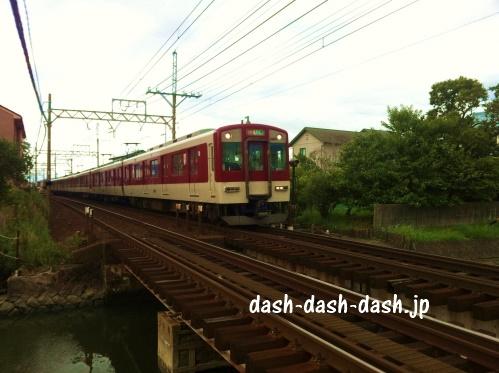 近鉄電車(近鉄名古屋線)
