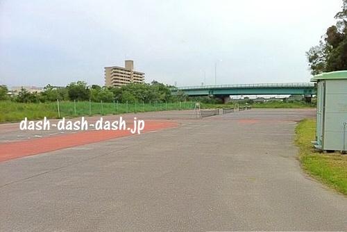 乙川河川敷テニスコート01(岡崎花火定番スポット)