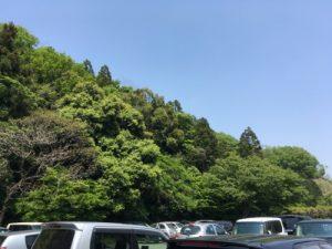 山あいの駐車場