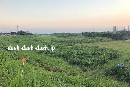 諏訪公園近くの河川敷02(岡崎花火穴場スポット)