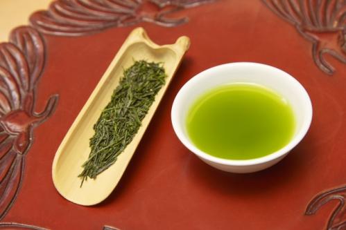 緑茶とお茶の葉
