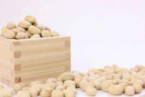 大豆と升(ます)