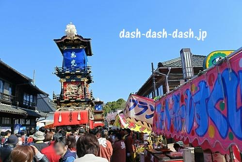 犬山祭の車山(やま)と屋台