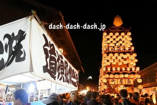 犬山祭の車山と屋台(夜)