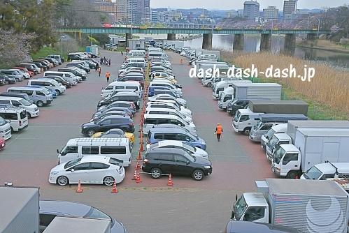 乙川河川敷臨時駐車場