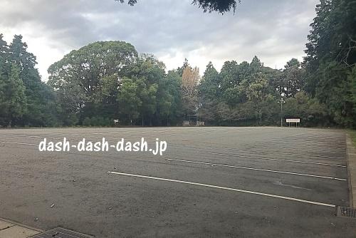 砥鹿神社里宮の大駐車場(170台収容)