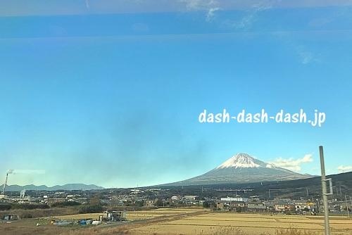 新幹線の車窓から見た富士山01