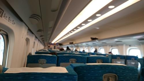 新幹線の車内(最後列付近の座席)01