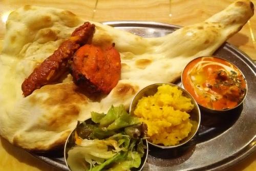 インド料理(ナンカレー・タンドリーチキン)01