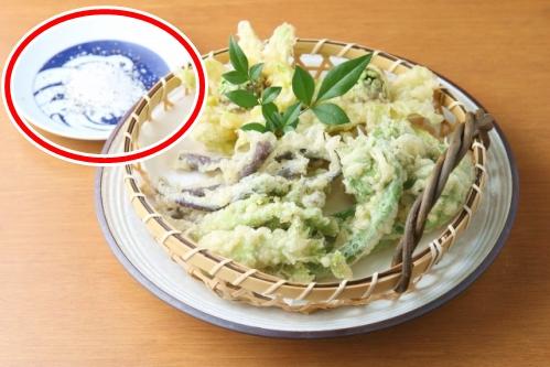 山菜の天ぷら(つけ塩)
