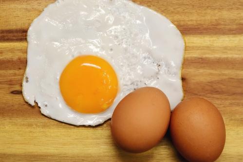 卵(たまご・目玉焼き)