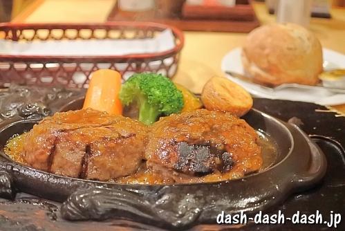 炭焼きレストランさわやか(げんこつハンバーグとパン)