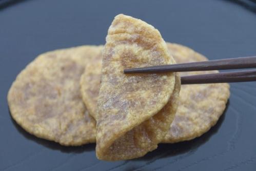 ぬれせんべい(ぬれ煎餅)