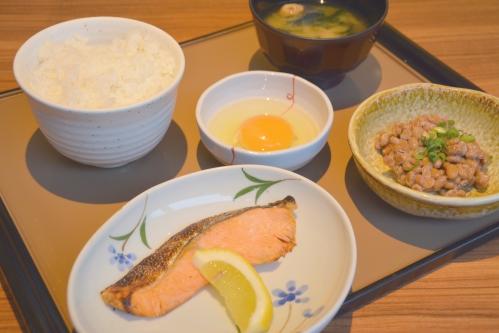 旅館の朝食(朝ごはん)