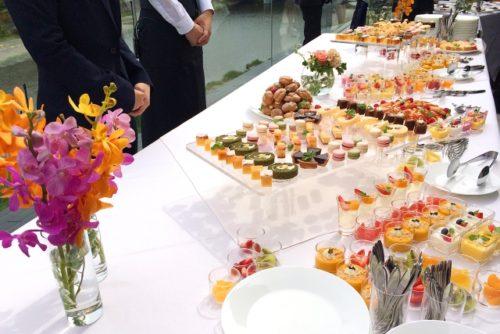 立食パーティー(スイーツビュッフェ)
