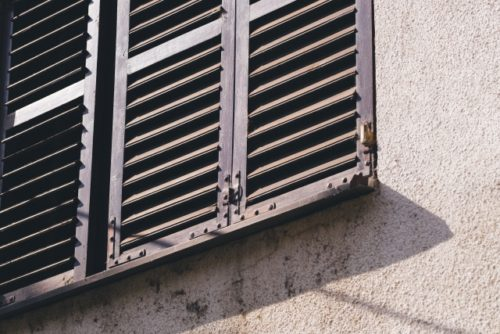 ルーバー窓(家の窓)