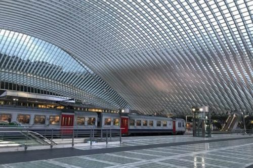リエージュ=ギユマン駅(ベルギー・ルイク)