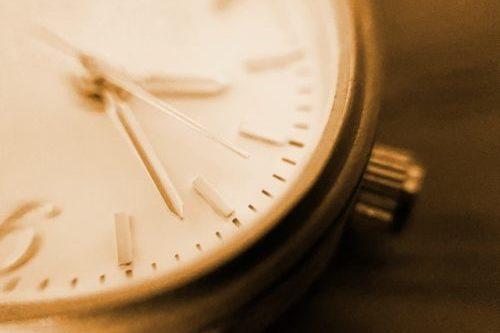 腕時計(リューズ)
