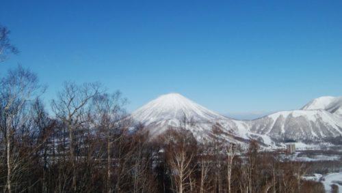 留寿都村(北海道虻田郡)から見た羊蹄山(蝦夷富士)