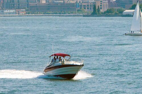プレジャーボート(モーターボート)